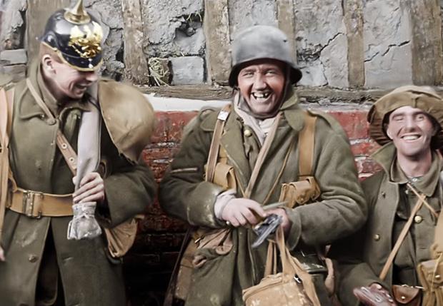 Фото №1 - Питер Джексон раскрасил и озвучил хронику Первой мировой и собрал из нее документалку (видео)