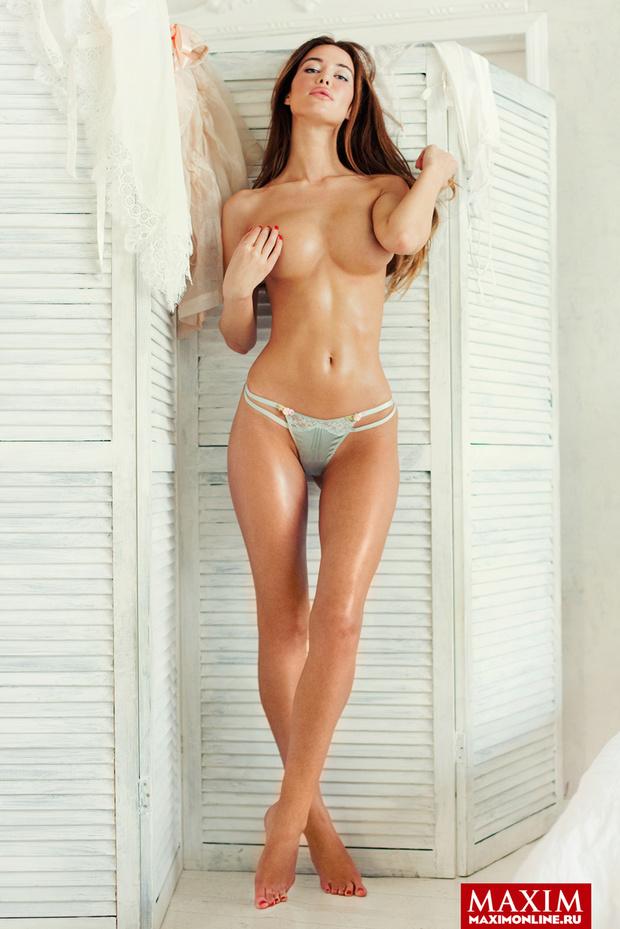 Фото №4 - Модель Мария Корабельникова: «Мне и без трусов тоже нравится. Главное — не заходить в лифты с зеркальным или прозрачным полом»