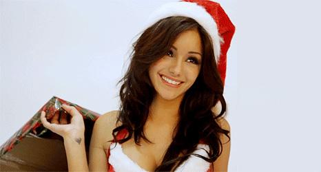 Фото №1 - Новогодняя подборка гифок сексуальных внучек Деда Мороза