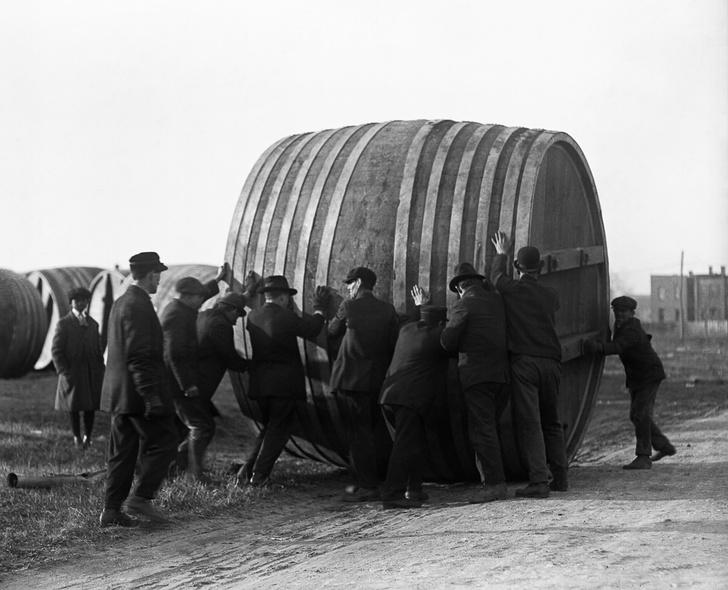 Фото №2 - Жутчайшие фотографии уничтожения алкоголя!