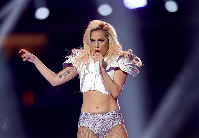 Фото №1 - Леди Гага отнесла трудовую книжку в Лас-Вегас!