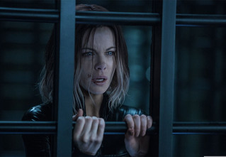 Новый дублированный трейлер триллера «Другой мир: Войны крови» с Кейт Бекинсейл