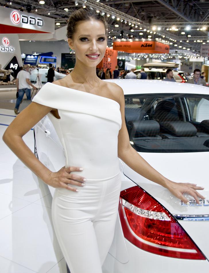 Фото №5 - Лучшие девушки Московского международного автосалона — 2016