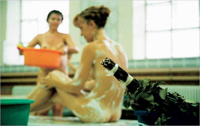 Побывать в женской бане