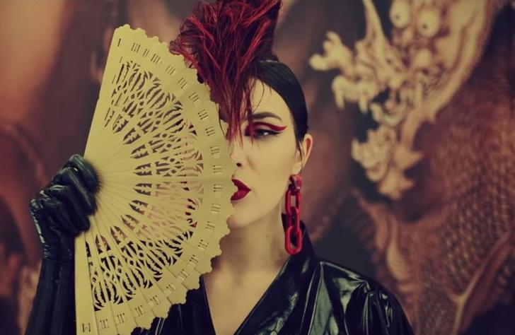 Фото №1 - Украинская певица Maruv выпустила новый провокационный клип. На русском