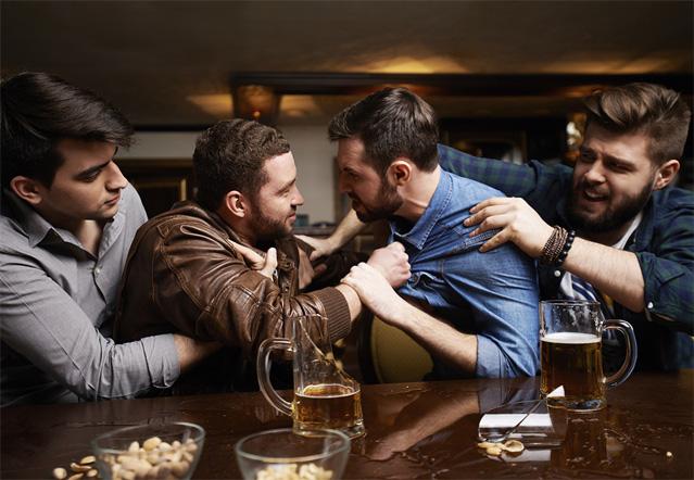 Фото №1 - О чем спорят в кабаках мужики? Выпуск#1: Кино
