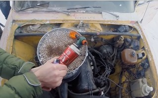 Мужики решили выкурить «Жигулями» 3000 сигарет кряду, и вот что из этого вышло (антитабачное видео)