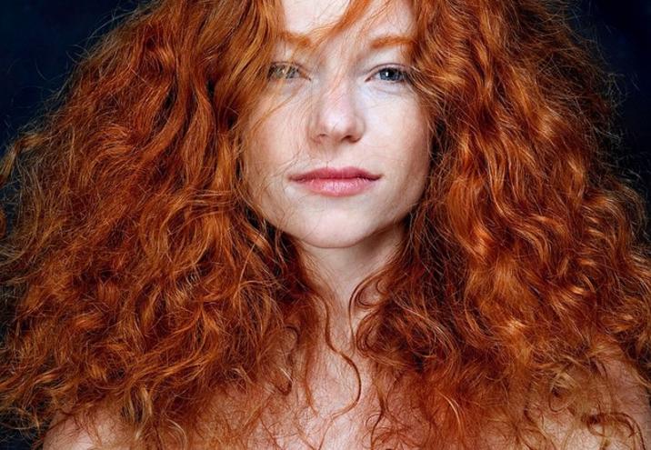 Фото №1 - Самые огненные девушки из журнала, целиком посвященного рыжим!