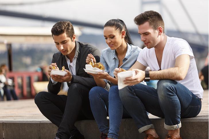 Фото №2 - Самая полезная еда в «Макдоналдсе», KFC, «Теремке» и других сетях фастфуда, по мнению диетолога