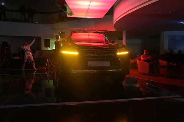 Фото №2 - Lexus LX в новой аранжировке