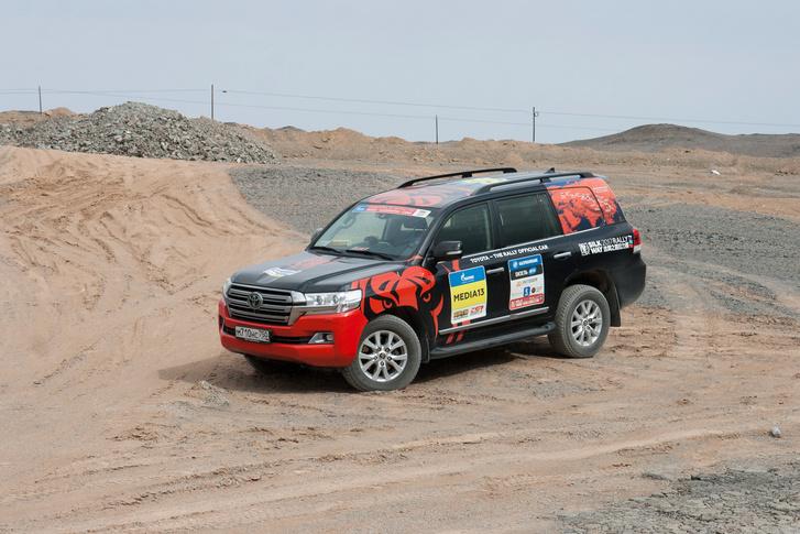 Фото №100 - В пекло и обратно: пытаемся проверить, что умеет Toyota Land Cruiser