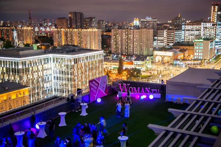 Фото №1 - Sport. Summer. Style: вечеринка на крыше в честь открытия Moscow River Cup