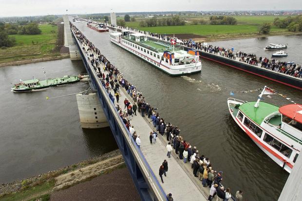 Фото №2 - 6 самых необычных мостов в мире