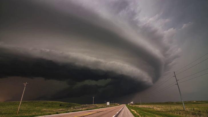 Фото №1 - Подборка самых красивых записей штормов (ВИДЕО)