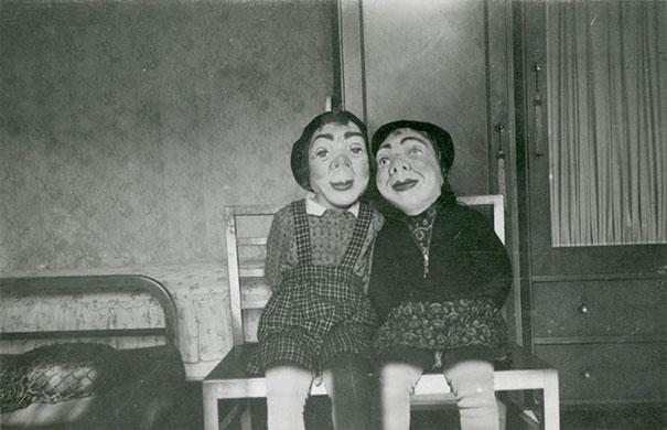 Фото №9 - Самые жуткие ретрокостюмы на Хеллоуин!