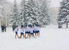 В Екатеринбурге раздетых детей заставили маршировать в сугробах
