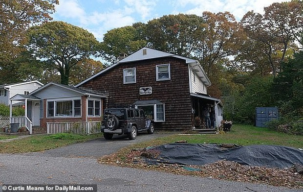Фото №2 - Мужчина копался в подвале дома и нашел скелет пропавшего более полувека назад отца