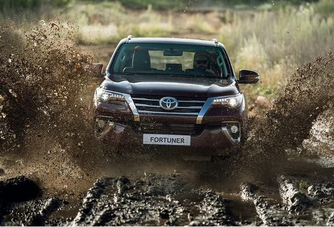 Toyota Fortuner: с октября на всех бездорожьях страны!