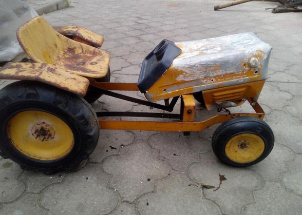 Фото №10 - Умелец из Нальчика реставрирует советские педальные машинки