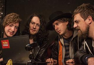 Русские клипы глазами инди-рокеров Carl Barat and The Jackals — Видеосалон № 56