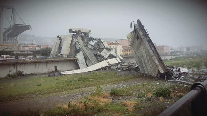 Фото №1 - На севере Италии произошло обрушение автомобильного моста (видео)