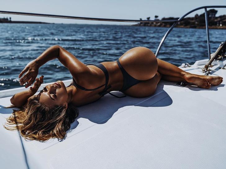 Фото №1 - Знакомься: топ-10 самых крутых бельевых моделей «Инстаграма»! Среди них есть наша!