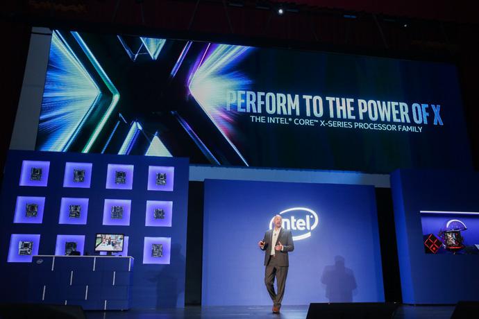 Фото №1 - Intel обещает ноутбук, который проработает 28 часов на одном заряде
