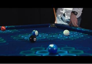 Стол для игры в настоящий бильярд в дополненной реальности (ВИДЕО)