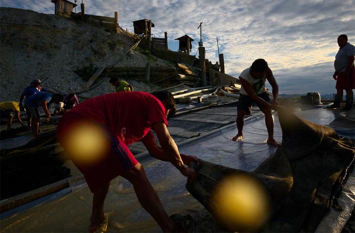 Фотовыставка Quickgold («Быстрое золото») За кулисами золотодобычи в Мадре-де-Диос, Перу
