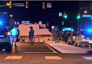 Американский солдат угнал БТР и два часа играл в догонялки с полицией (ВИДЕО)