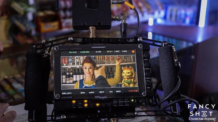 Фото №4 - Гаишник — клоун, таксист — кавээнщик. Кто и как создавал главный клип весны «В Питере — пить!»