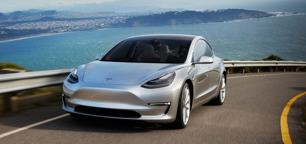 Фото №1 - Tesla анонсировала автопилот и сервис автономного такси