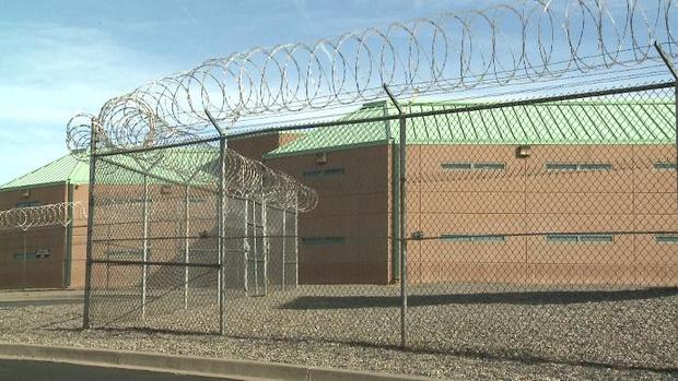 Фото №3 - Мужчина совершил виртуозный побег из тюрьмы. Оказалось, зря. А все из-за жены!