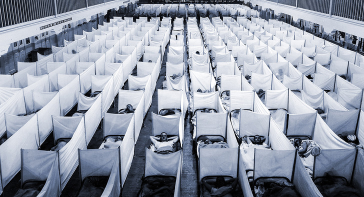 Любые помещения переоборудовались под изоляторы. 1918 год