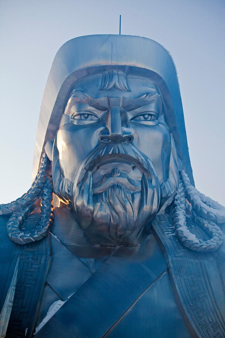 Фото №3 - 50-метровый Чингисхан— самая огромная конная статуя в мире