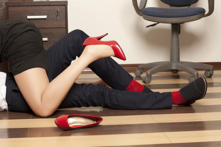 Фото №1 - Куда больше твоих коллег, чем ты мог предположить, занимались сексом на рабочем месте