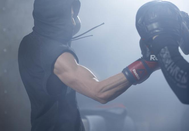 подраться combat тренировки мастер-классы лучшими российскими бойцами reebok