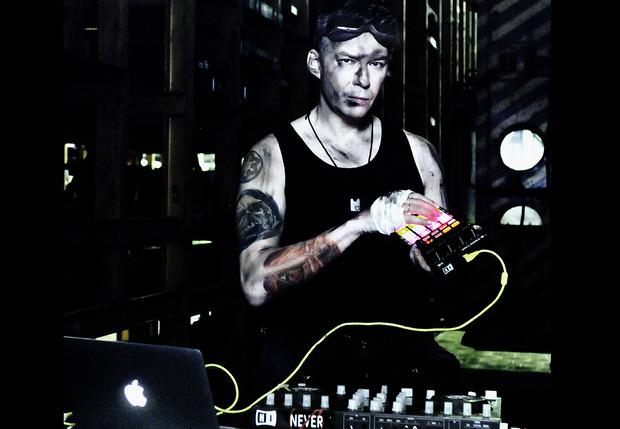 Фото №1 - Костя Михайлов: «У людей, работающих на радио, рвотный рефлекс отизвестной музыки»