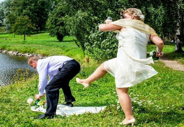 Фото №1 - Новобрачная развелась с мужем через три минуты после заключения брака