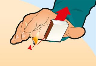 Игры со спичками: как зажигать их одной рукой
