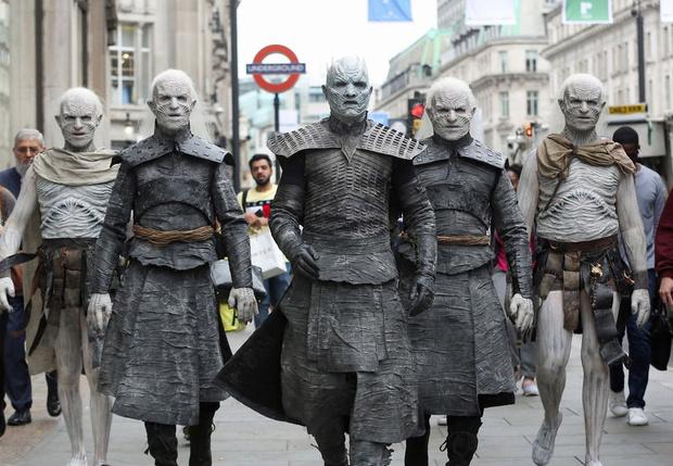 Фото №1 - Вот какие актеры появятся в приквеле «Игры престолов»