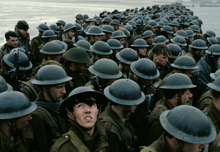 Фото №1 - «Дюнкерк», «Во всем виноват енот» и другие главные фильмы июля!
