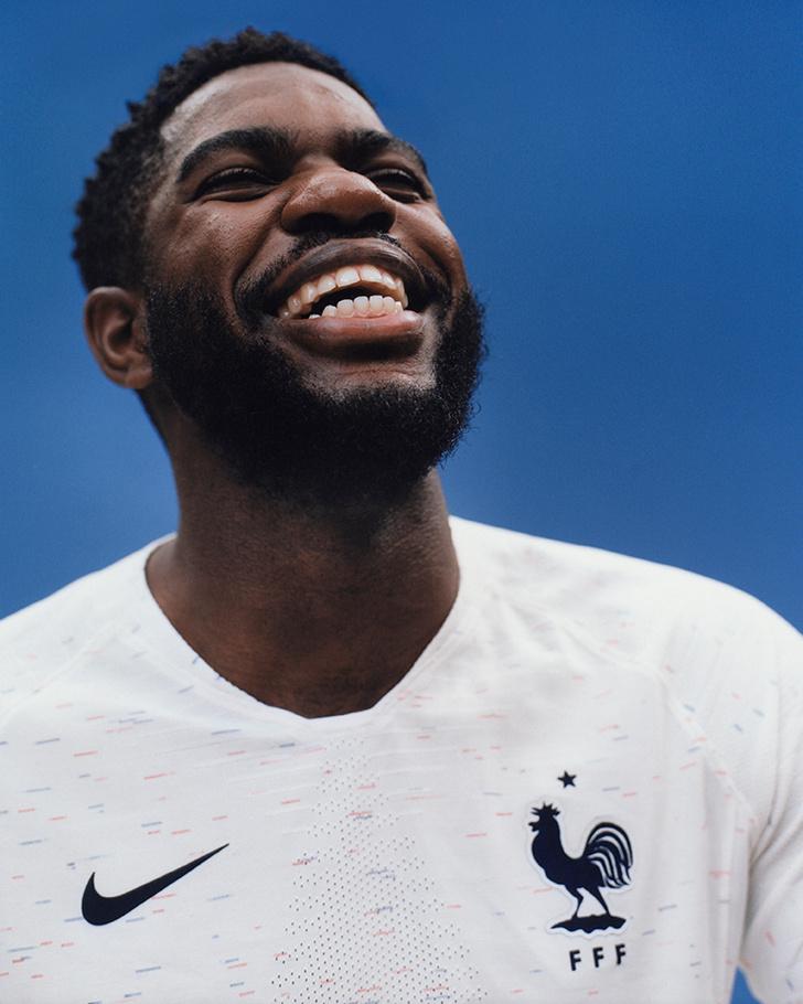Ты только посмотри на новую форму сборной Франции по футболу!