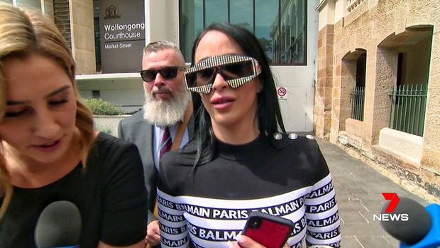 Фото №2 - Инстаблогерша из Австралии просит пожертвовать ей 100 тысяч долларов, потому что «не может устроиться на работу»