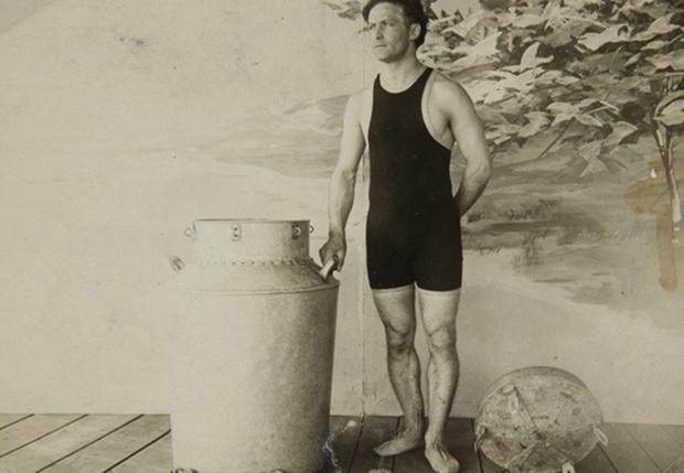 Фото №3 - 5 знаменитых фокусов Гарри Гудини, секрет которых удалось раскрыть