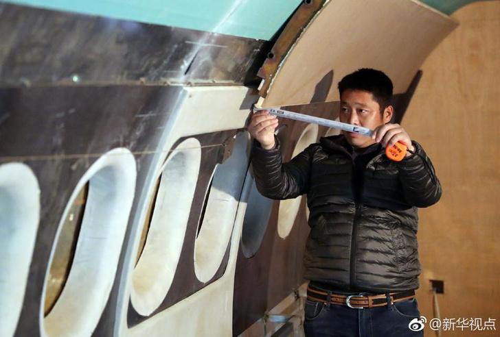 Фото №2 - Китаец построил полноразмерную картонную копию Airbus A-320 (фото)