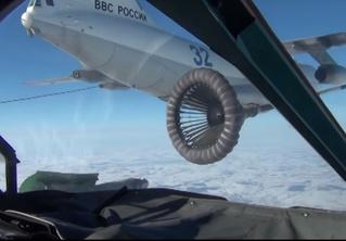 Как происходит дозаправка в воздухе российских боевых самолетов (видео)