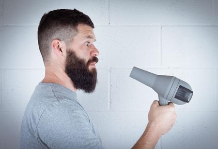 9 нестандартных способов использовать фен