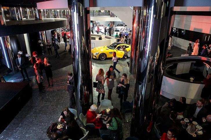 Фото №1 - Выставка «Любимая машина Энди Уорхола» открылась!