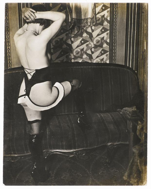 Фото №7 - Реклама фетишистского нижнего белья 1920-х годов